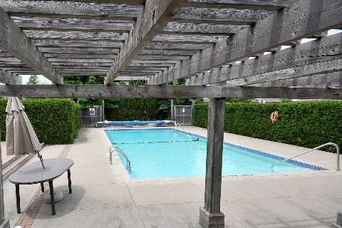 2275 credit valley road unit 117 just west of erin mills for Pool show mississauga