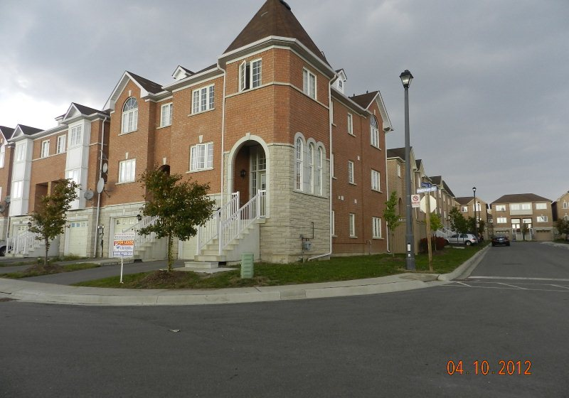 5721 Retreat Street Rental Freehold End Unit Townhome In
