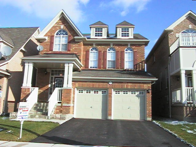 5853 whitehorn avenue creditview and britannia detached for Canac kitchen cabinets for sale