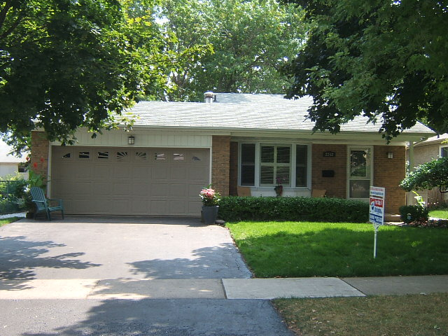 MLS Listing For 2252 Blue Beech Crescent Beautiful Erin Mills Detached Home With Double Garage ...