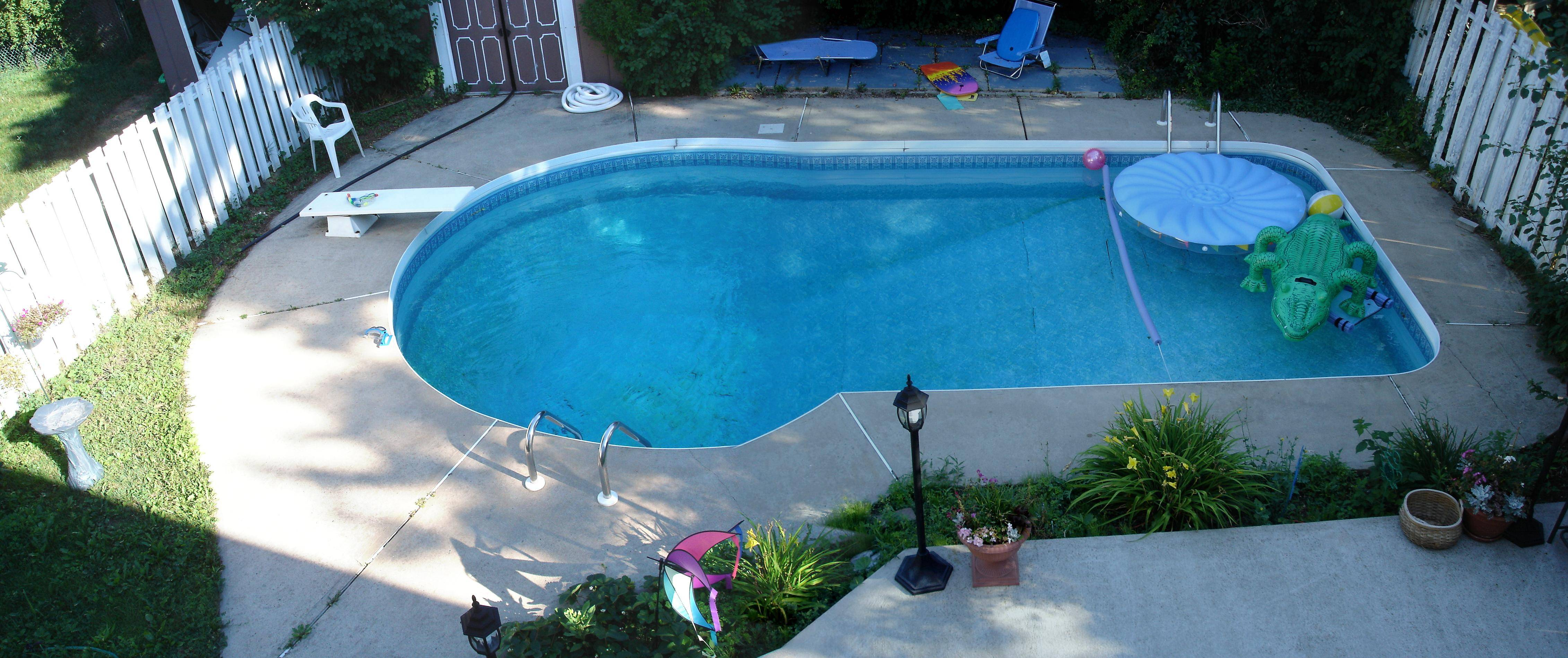 256 enfield place one block south of burnhamthorpe just Square swimming pools for sale